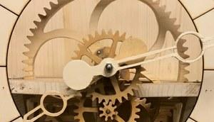 Orologio a pendolo in legno | makeitprogetto