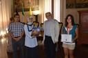 Il sindaco Pighi con la partecipante alle olimpiadi turche Rosaluna Capucci e i rappresentanti dell'associazione Milad Esra Sahin e Ilyas Aytar