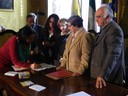 Un momento della firma del protocollo per l'Agenzia casa 2