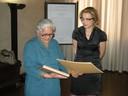 La presidente del Consiglio Caterina Liotti e l'imprenditrice equo-solidale indiana Mala Shina