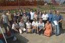 Studenti, insegnanti e archeologi sul sito dello scavo (Baggiovara, Modena)
