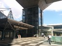 ingresso dell'International Exposition Center a Tokyo.jpg