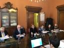 L'assessore Urbelli al centro con i rappresentanti delle organizzazioni di rappresentanza di inquilini e proprietari