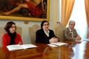 La direttrice della casa circondariale Sant'Anna Casella, l'assessore Maletti e il presidente dell'associazone Gli amici del cuore Spinella