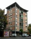 1 - Quartiere INA-CASA Sant'Agnese vista di uno degli edifici a Torre.jpg