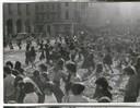 3- girotondi femministe piazza grande FONDO Annarosa Bassoli - Centro Documentazione Donna.jpg