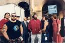 Il maestro Pavarotti e i 99 Posse in un'iniziativa del Centro Musica