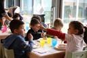 A pranzo in una scuola d'infanzia comunale