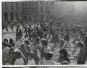 Girotondi femministe in piazza Grande - Fondo Annarosa Bassoli - Centro Documentazione Donna