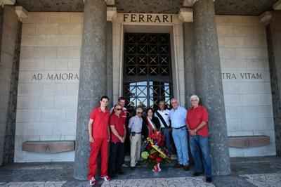 Ufficio Stampa Ferrari : Ferrari piazza grande duomo g u sito ufficio stampa comune di modena