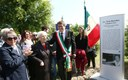 L'inaugurazione della stele in memoria dell'on. Gina Borellini