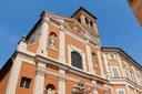 Chiesa di San Barnaba, particolare della facciata