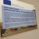 La targa  sull'edificio ex Aem prevista per gli interventi realizzati con le risorse europee