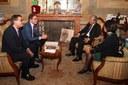 Il sindaco Gian Carlo Muzzarelli a colloquio con l'ambasciatore del Vietnam Cao Chienh Thien