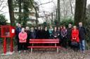 Panchina rossa contro la violenza sulle donne al parco di Villa Ombrosa