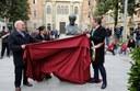 """Il busto di Mazzini """"scoperto"""" nella piazza a lui dedicata"""