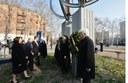 Davtanti al monumento che ricorda le vittime dell'11 settembre