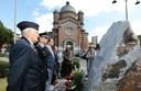 L'omaggio al monumento ai martiri delle foibe