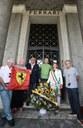 Un momento della cerimonia con l'assessora Ludovica Carla Ferrari e alcuni appassionati del Cavallino