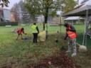 volontari curano area verde 4.jpg