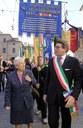 Il sindaco Gian Carlo Muzzarelli con Aude Pacchioni alla manifestazione del 25 aprile del 2017