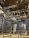 Il montaggio del ponteggio per i lavori alla graticcia del Teatro comunale