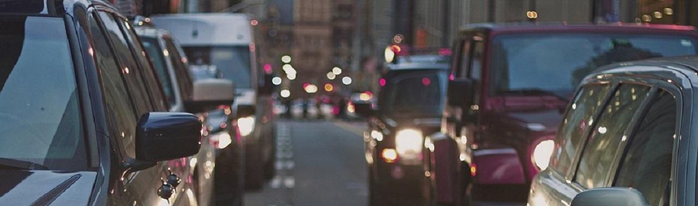 •Rete stradale comunale: km. 870                                       •Autoveicoli circolanti nel 2018 a Modena: n. 155026
